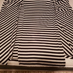 Long maxi skirt with splits